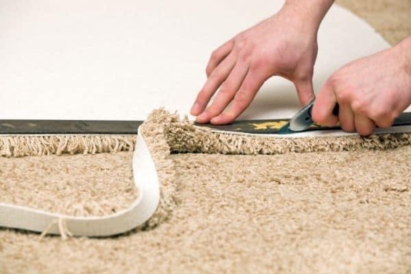cut carpet without fraying