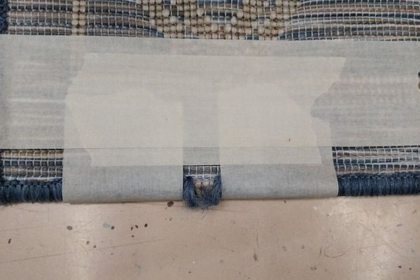 how to fix a frayed carpet