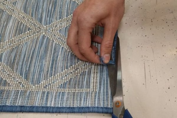 how to repair a frayed carpet