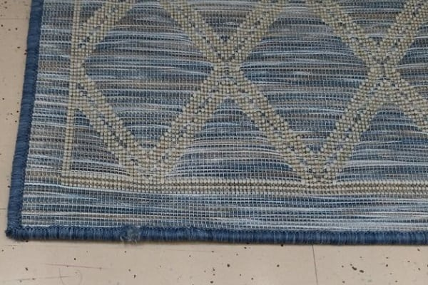 stop carpet from fraying
