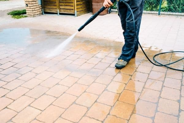 cleaning paver with high pressure cleaner