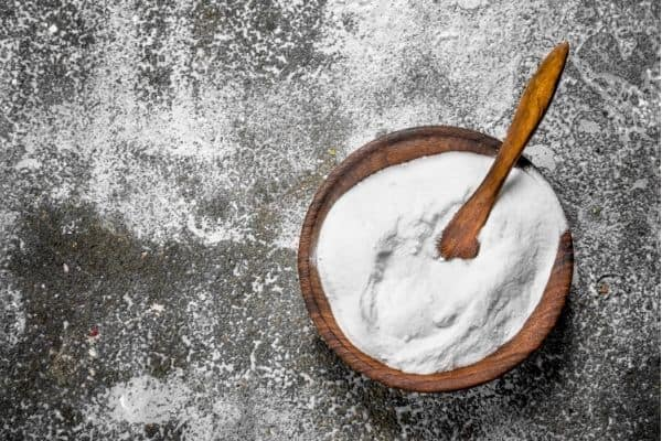cleaning pavers with baking soda