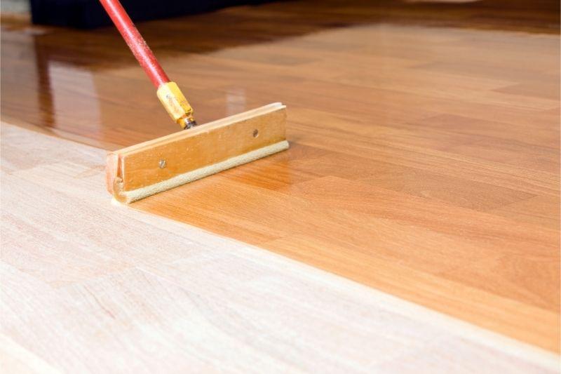 applying polyurethane on hardwood floor