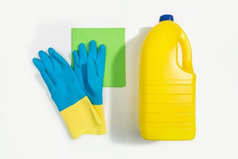 cleaning with bleach 1