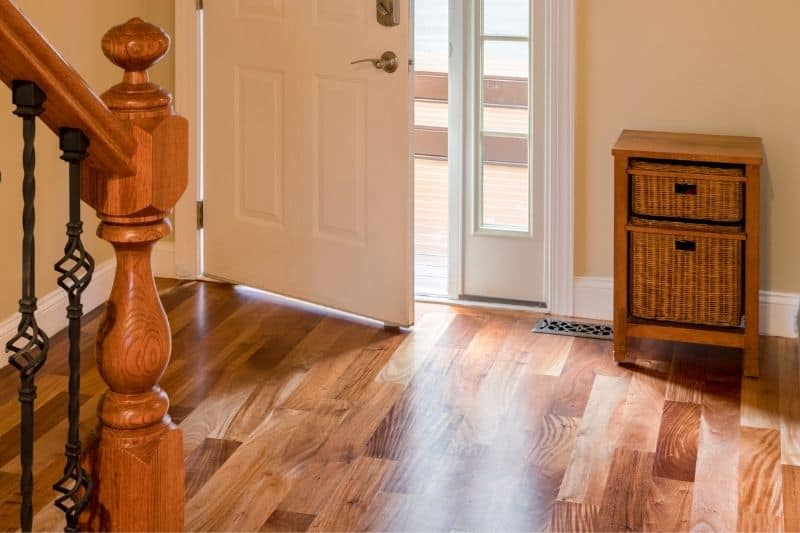 how to keep engineered hardwood floors shiny