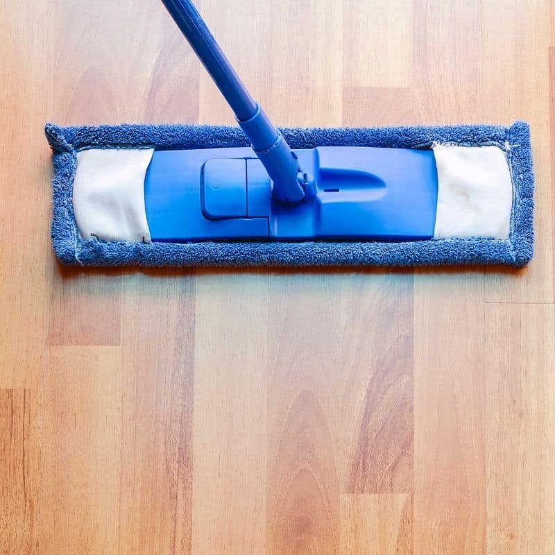 mop polyurethane on laminate floor 1