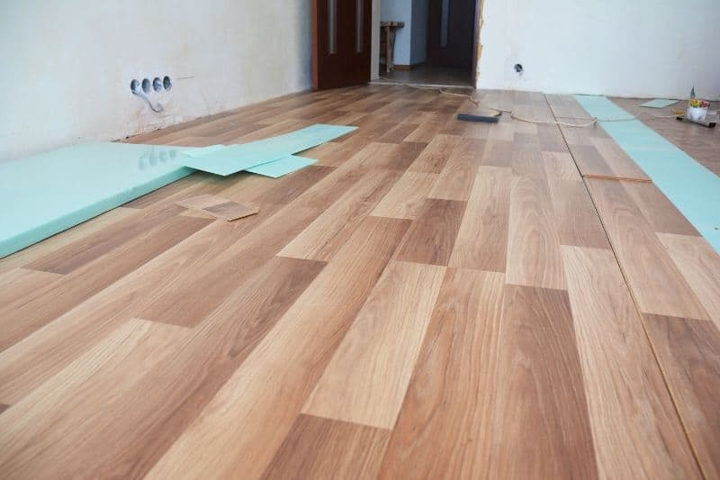 polyurethane on laminate flooring