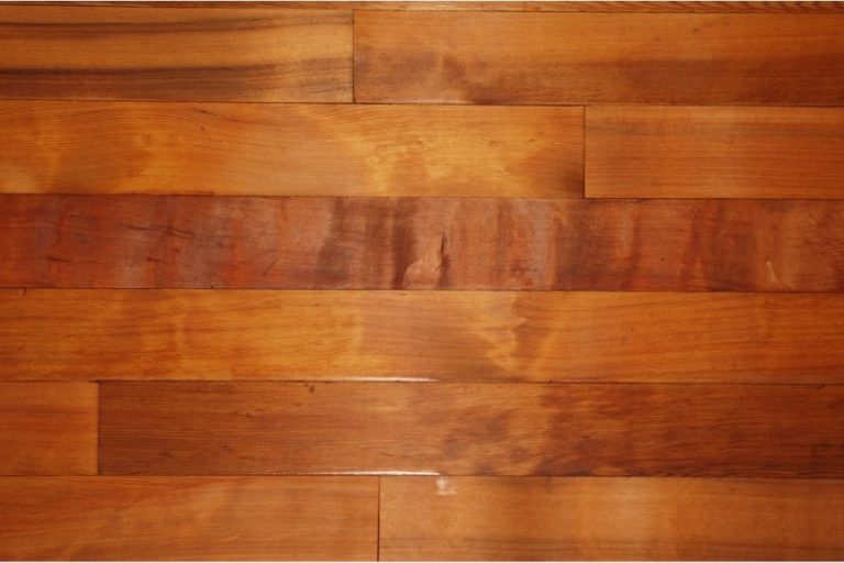 How to Strip Polyurethane Off Wood Correctly