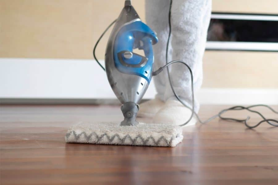 how to use a steam mop on vinyl flooring