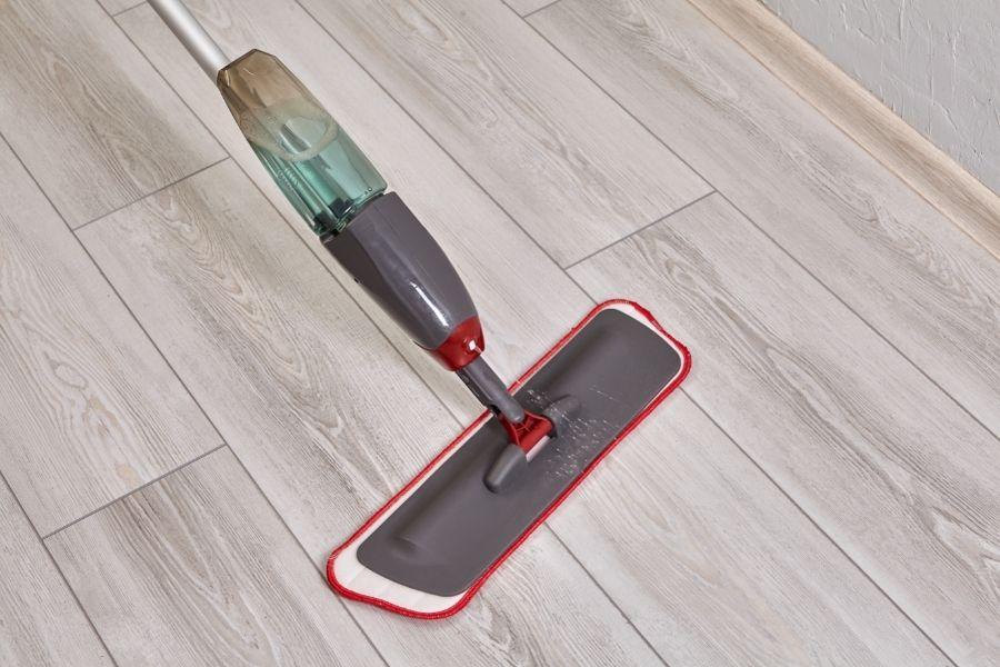 flat spray mop