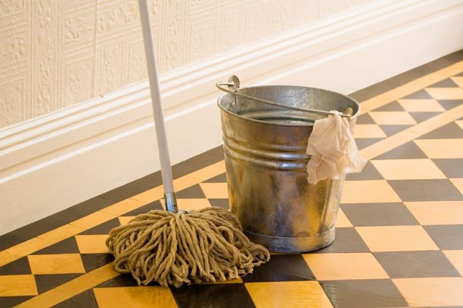 string mop and bucket