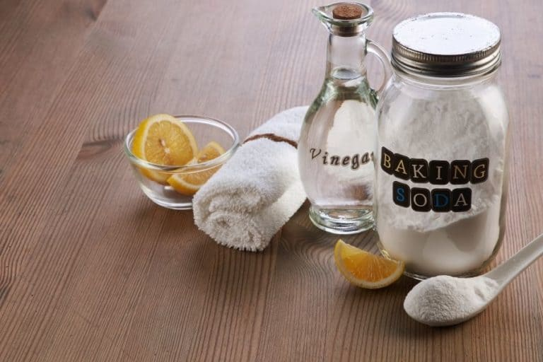 Quick Tips for Cleaning Carpet with Baking Soda and Vinegar