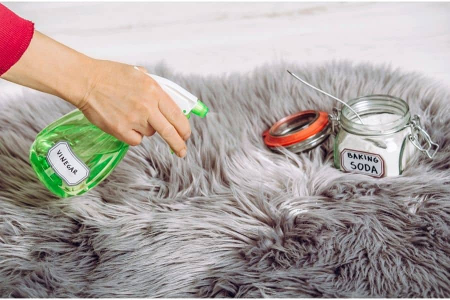 does white vinegar get nail polish out of carpet