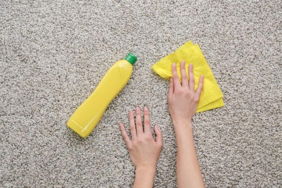 remove dried nail polish with dishwashing detergent